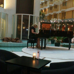 Emmy at hotel