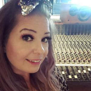 Emmy in studio